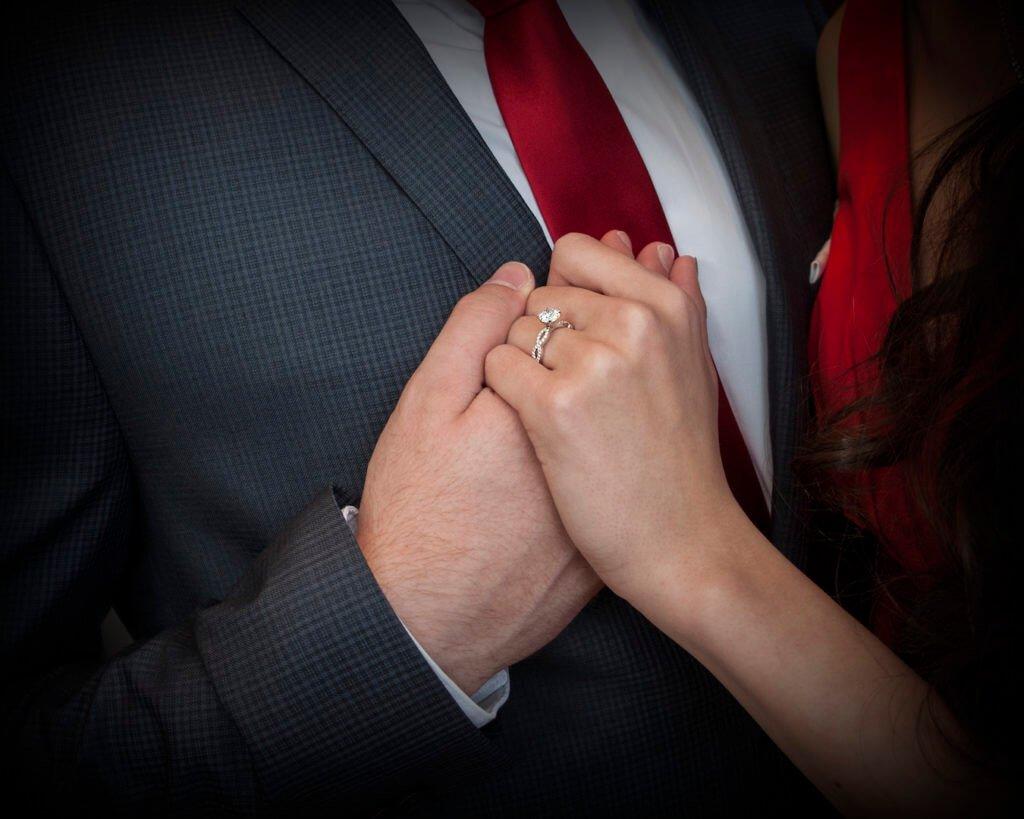 Verlobungsgeschichte eines Paares im Bild festgehalten - es sind Kunden von BrianGavinDiamonds