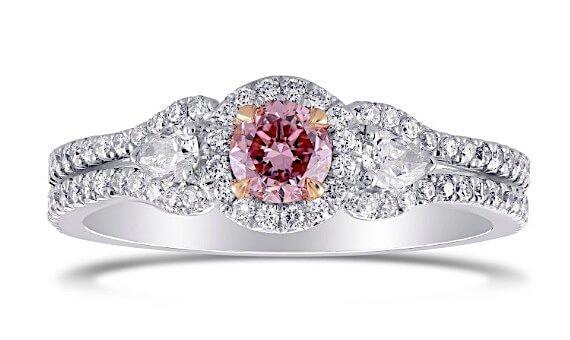 Argyle 0.64ct 3-SteinFancy Intense Purplish Pink - Center-Diamant mit Brillantschliff, 0,31ct