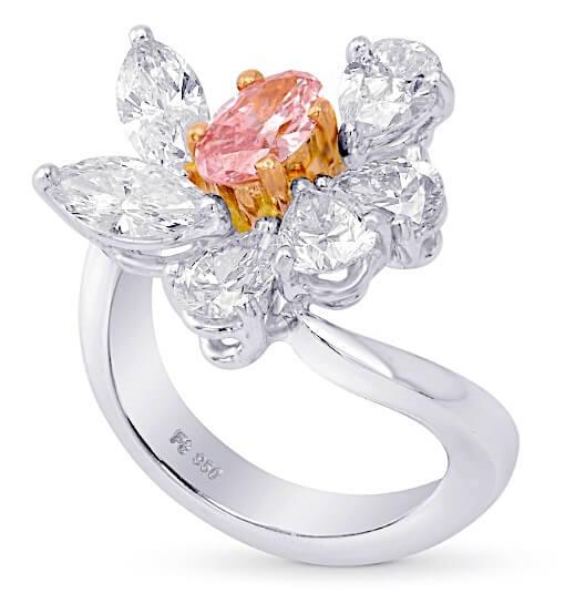 Argyle 2.34ct Fancy Intense Pink und Weiß aufrecht Rosa Diamant mit Ovalschliff, 0,43ct